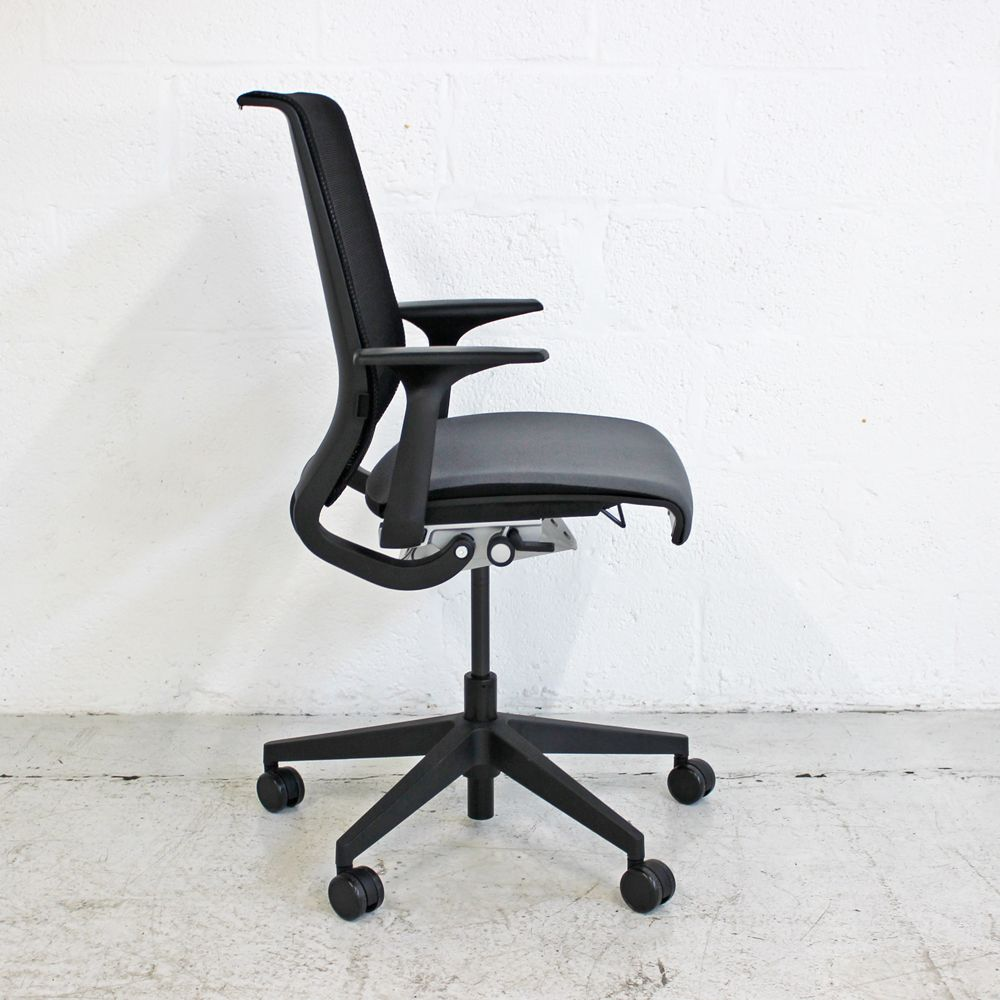 Steelcase Think Task Chair Fixed Arms Mesh Chair